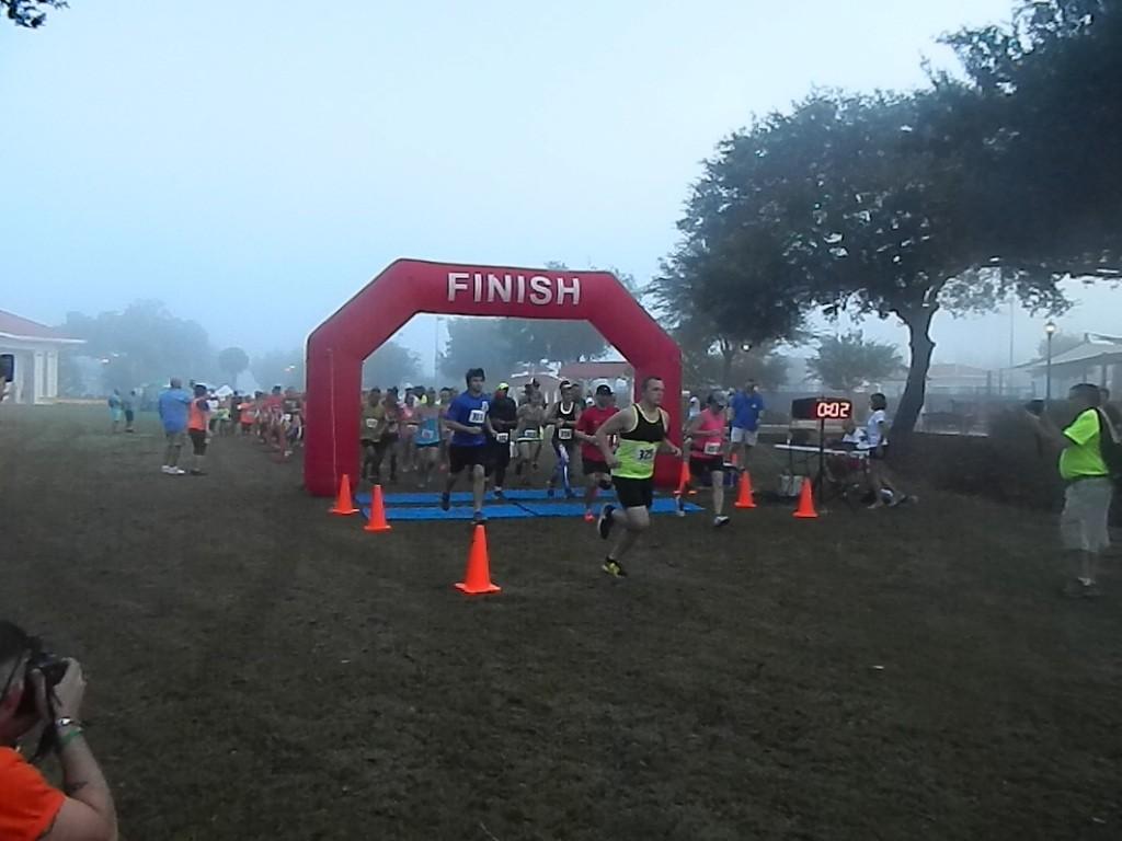 5k15 runners start